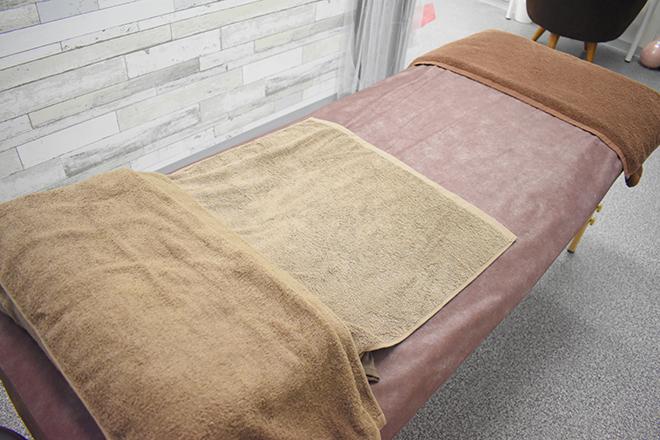 total beauty salon~aria~ 白を基調とした男女ともにリラックスできる空間