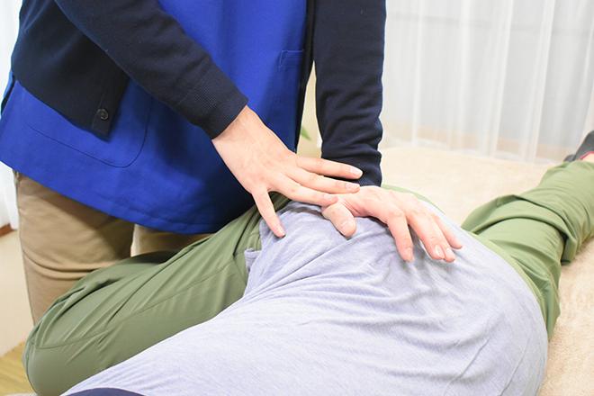 腰痛特化整体院 山本 骨盤など、腰以外のところにアプローチ!