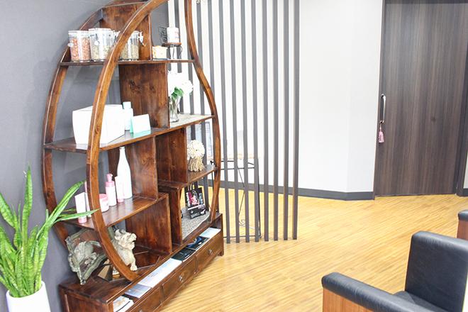 イスリール 学芸大学店(esRire) 非日常を感じていただける空間でお出迎え