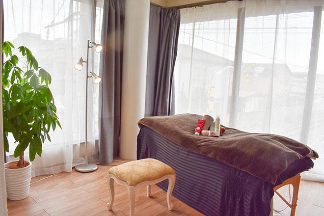 レオナ(Reponatu) 緑のあるお部屋でリラックス