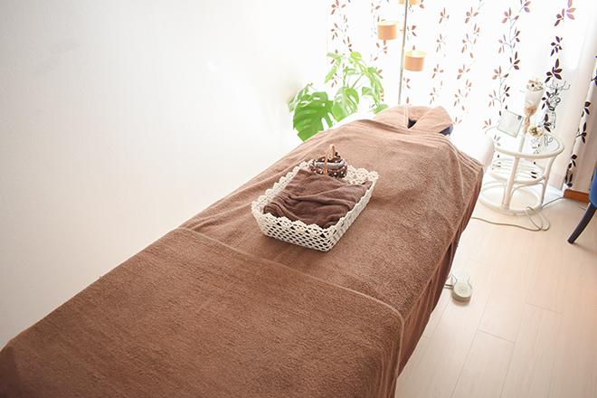 クーナ(cuna) 整体用のベッドを使用いたします