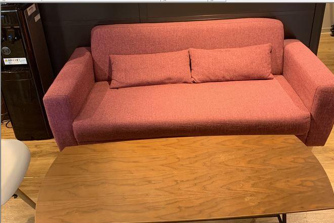 ソファーでゆっくりお過ごしください♪