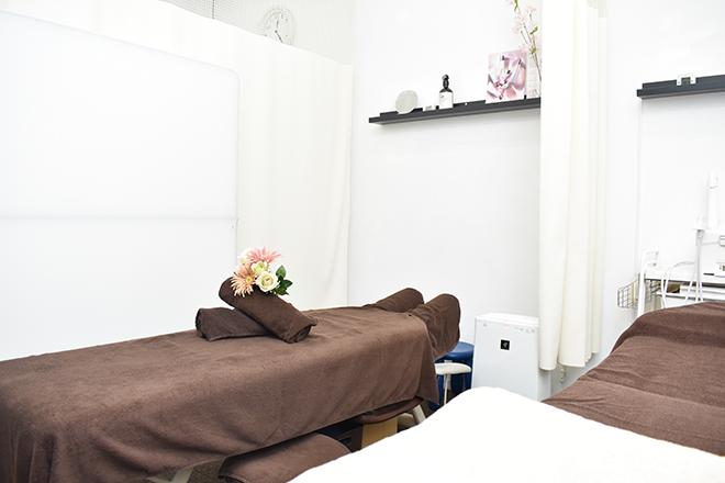 コリトリクラブ 座間 整体用とフェイシャル用のベッドがございます