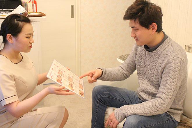 アシユカ 新宿西口店(足優家) お話しやすいように、明るく対応いたします!