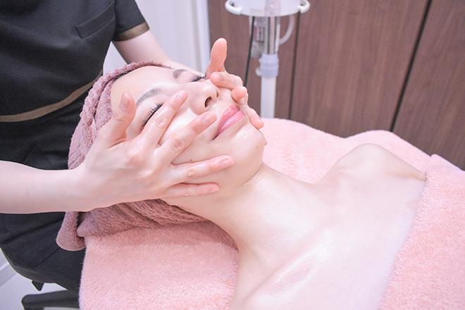 キズキ(絆月-KIZUKI-) リフトアップを目指せる顔筋トリートメントが人気