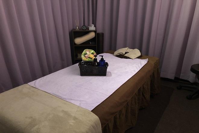 Enjoy relaxation ベッド4台備えたサロン