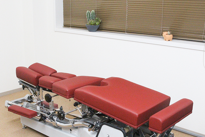 オーティーエー整体院(OTA) 状態に合わせた2種類のベッド使用