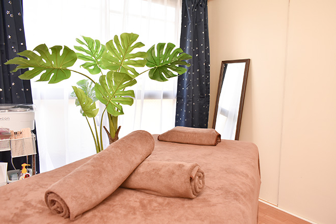 WAXING MOON 清潔感と落ち着きのある完全個室
