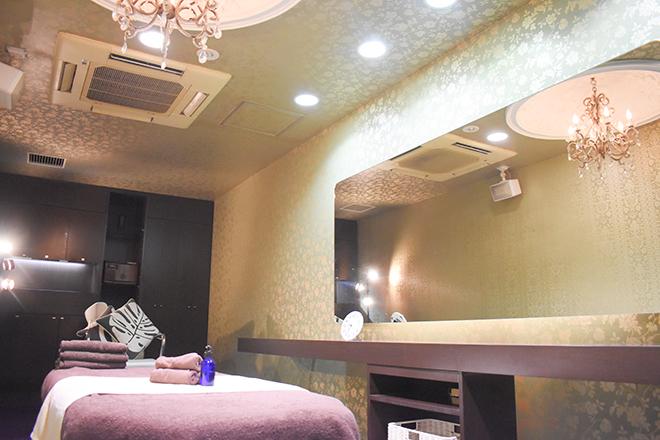 アース 千葉店(HAIR&MAKE EARTH) 癒しの音楽が流れる、高級感たっぷりな個室