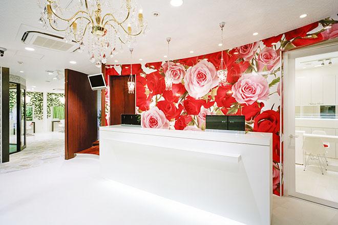 アース 稲毛海岸店(HAIR&MAKE EARTH) 癒しの音楽が流れる高級感たっぷりな個室