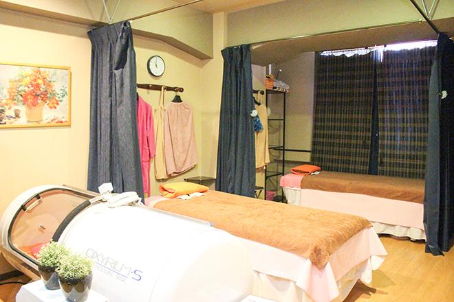 香楽 歌舞伎町職安通り店 開放的な空間の店内