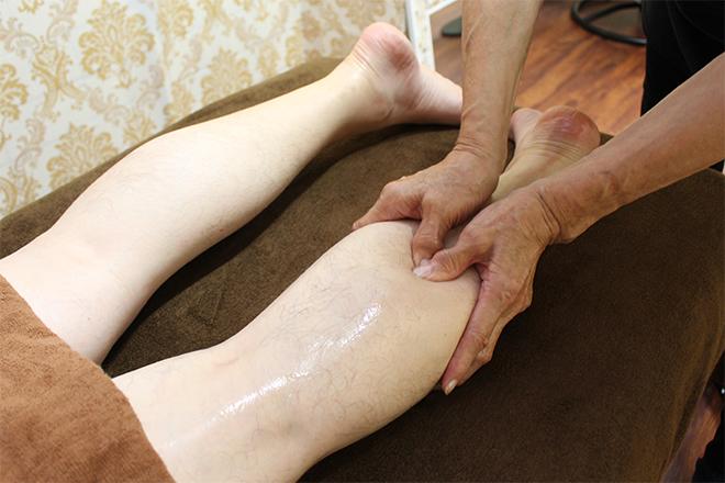 新足堂 脚のリンパを丁寧に流します