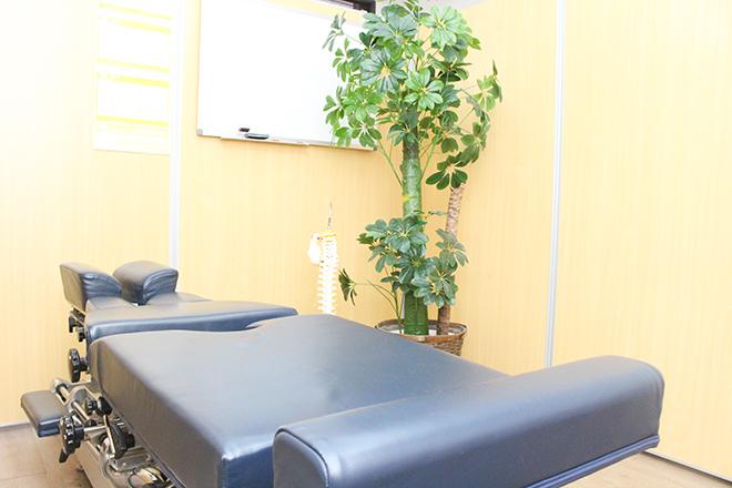 けんこう専科 整体院 自重を利用して調整! お体への負担が少なく安心