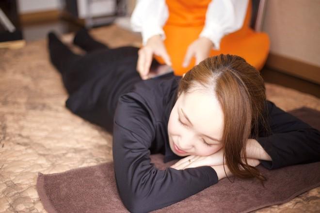 ヨサパーク キュラティフ(YOSAPARK curatif) YOSA前後で、身体をほぐします。