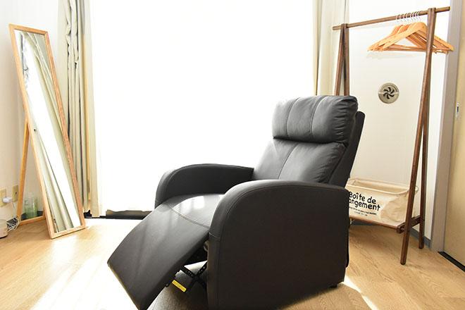 HINOKI 明るい雰囲気の自宅サロン