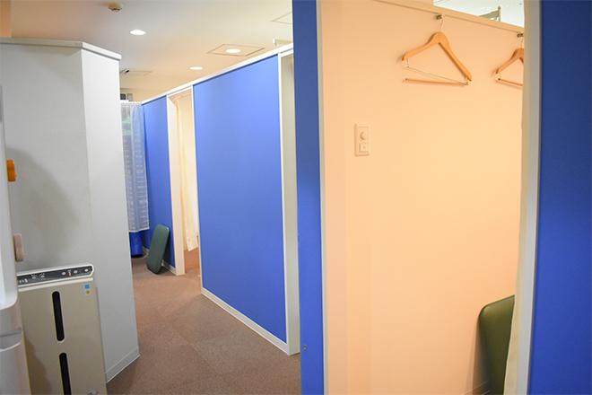 コア カイロプラクティック錦糸町 個室で施術を行います☆