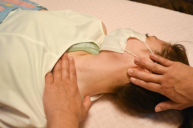 骨法式整体院 阿部 お体を緩めて、可動域を広げるように施術!