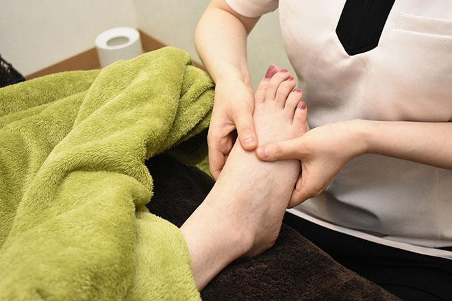 目の美容院 渋谷サロン 目のお疲れを癒すためには、足の施術も重要