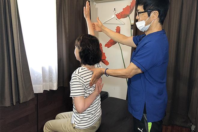 ニコ(改善院 NiCO) 肩甲骨周りの可動域を広げ、動きやすい体へ!
