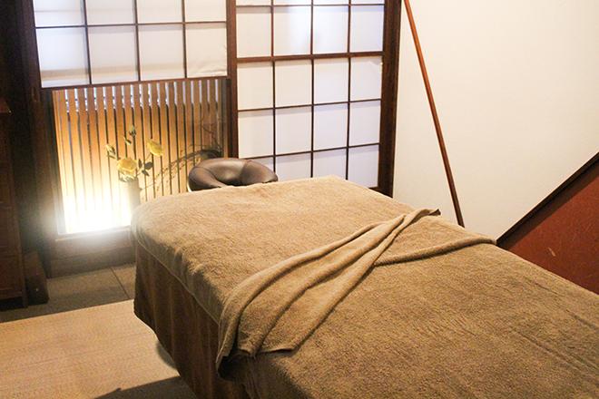 和モダンな雰囲気の個室
