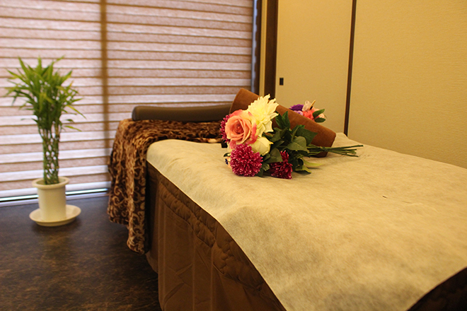 Purple Rose 完全予約制個室サロンです