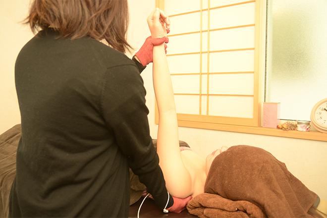 FLORA 肩や肩甲骨周りのケアも大切です