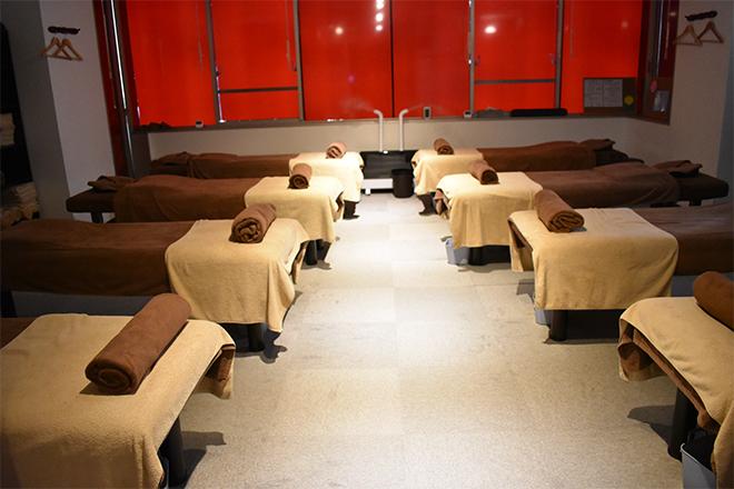 Reストレッチ湘南台店 施術用ベッドは8台ございます