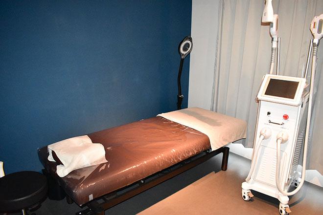 落ち着いて施術が受けられる完全個室