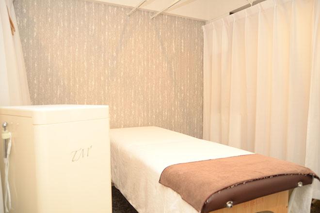 ホテルの一室を使った完全予約制のエステサロン