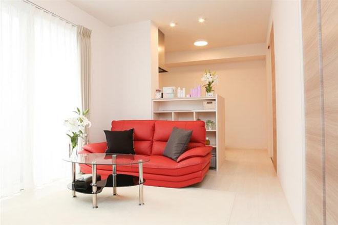 Eclange 清潔感のあるシンプルな空間演出