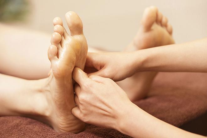 足のお疲れを癒したい方にはリフレクソロジー