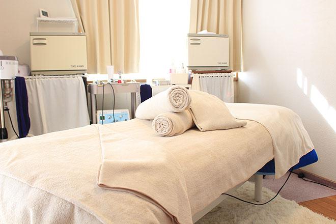 白を基調とした完全個室