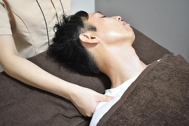 Men's salon a.Rich ヘッドケアでは首や肩までほぐします☆