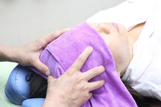 天保整体院 経絡が集中しているヘッドを重点的に施術
