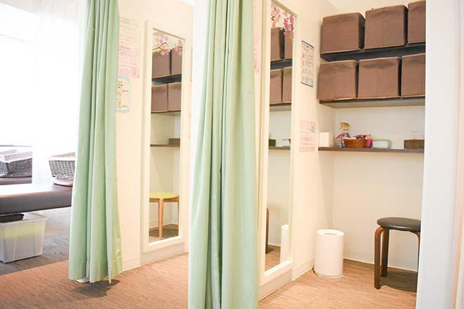 リラク 新宿東口店(Re.Ra.Ku) 更衣室は2部屋ございます。