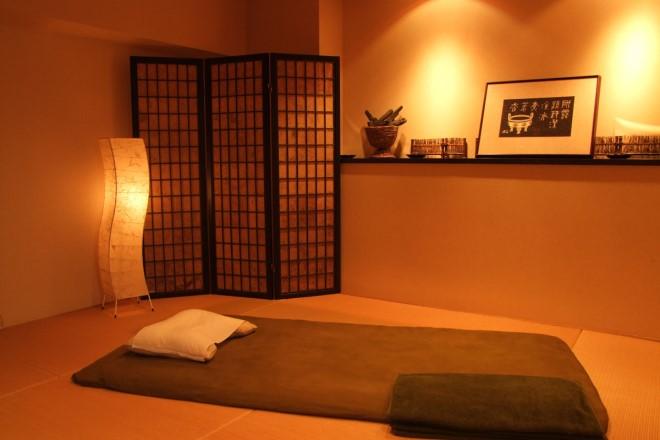 ヒーリングサロン癒楽 畳と布団で味わう伝統の技をお楽しみください。