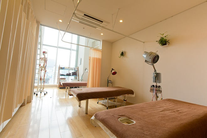 銀座ときた鍼灸治療院 治療室はベッド3台です