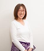 With AROMAのスタッフ 堀岡弘美